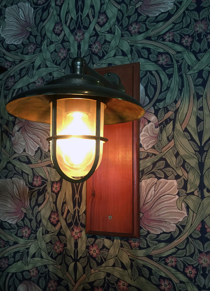 William Morris Pimpernel wallpaper at Strand Hotell in Visby