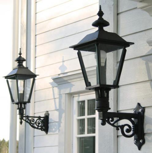 How to choose Outdoor lighting - old style