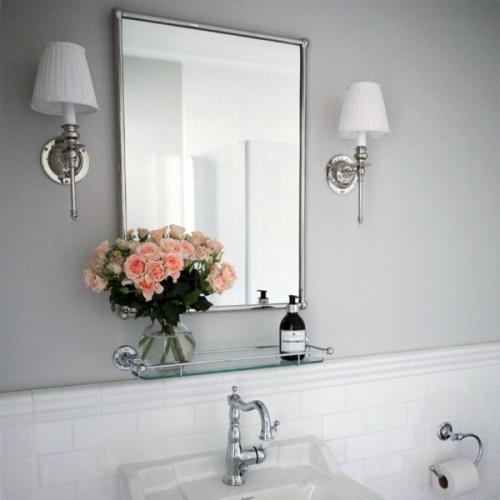 Bathroom Inspiration - wall lamp - old style - vintage interior - old fashioned style - classic interior
