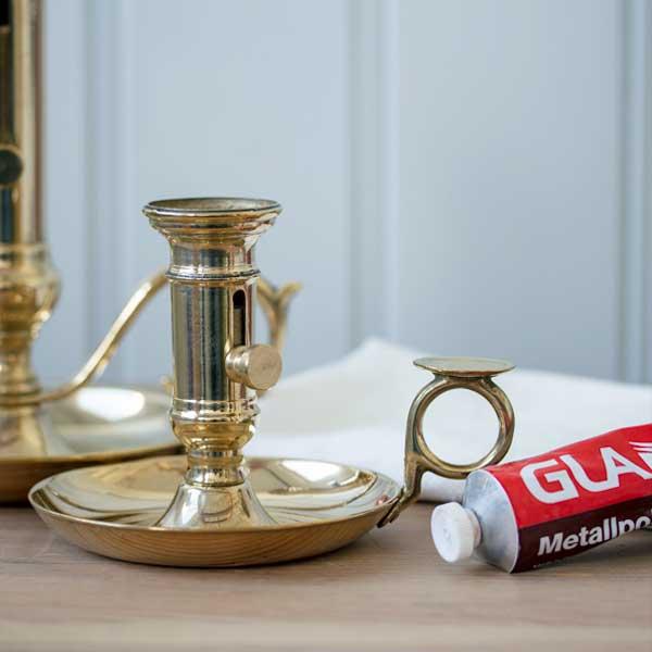 Tips & Fakta Rengöra och polera mässingsföremål med Glanol