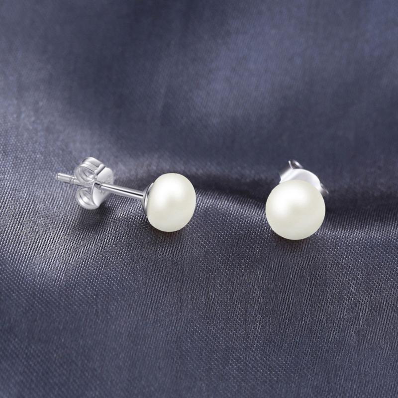 Pärlörhängen med vita pärlor i äkta silver