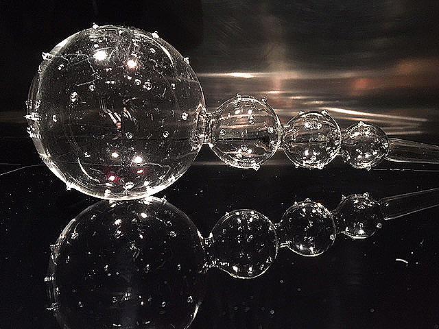 Blomvattnare i klarglas med prickar