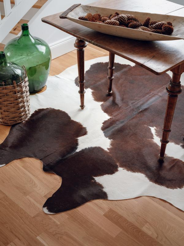 Milka Cowhide Carpet L - Brown/White