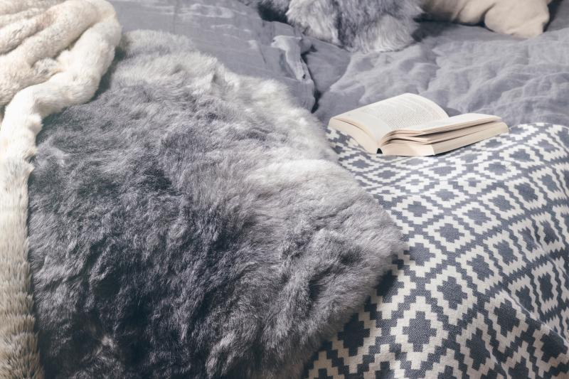 Nelly rug. Sheepskin - Natural Grey