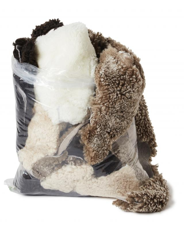 Curly Sheepskin pieces 2kg - Brown