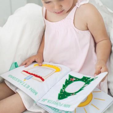 luciakrona i tyg oskar och ellen från utklädningskläder barn finns ... 6afb7f3ee7dac