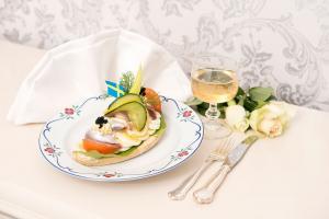 Ägg- och Ansjovissmörgås