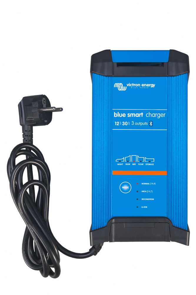 Blue Smart IP22 Charger 12/30(3) 230V CEE 7/7