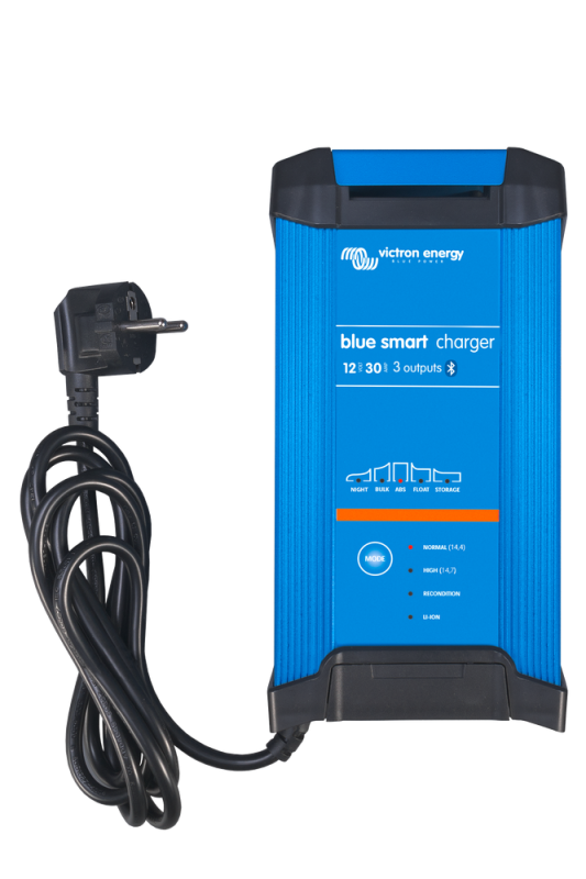 Victron - Blue Smart IP22 Charger 12/30(3) 230V CEE 7/7