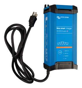 Blue Smart IP22 Charger 24/16(3) 230V CEE 7/7