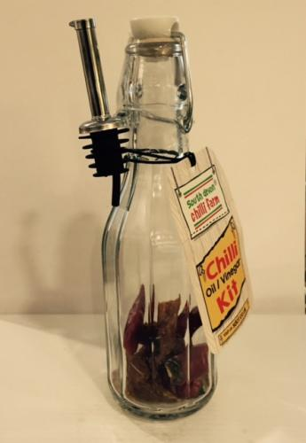 Chilli Oil and Vinegar DIY kit - dried chillies