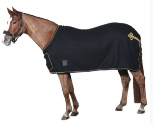 HorseGuard Fleecetäcke med bogplatta och svansfläta Svart/Guld