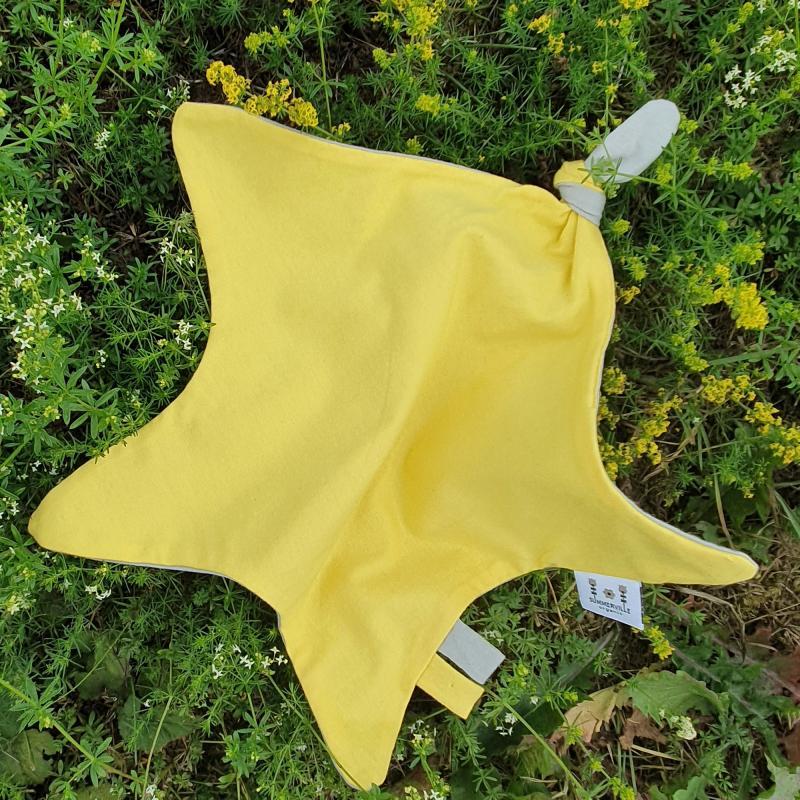 Blankie star yellow