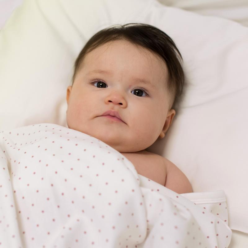 Babyblanket white pink dotty