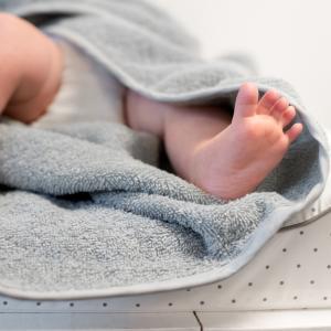 Hooded towel rabbit silver grey GOTS
