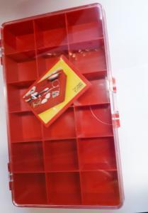 Låda med 18 fack Röd