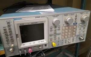 Spectrum analyzer Tektronix 2755P