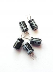 Kondensator  4,7uF 63V, Stående  5st