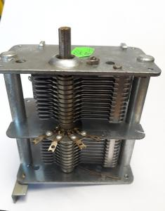 Vridkondensator IS-3-127