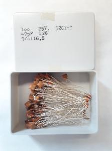 47pF 25V Keramisk kondesator ca 100 st i låda