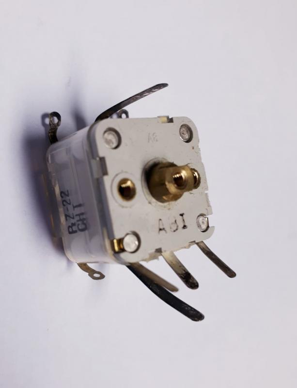 Kondensator variabel  P2Z-22CHT