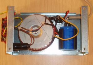 Nätaggregat 24 Volt DC 2,5 A