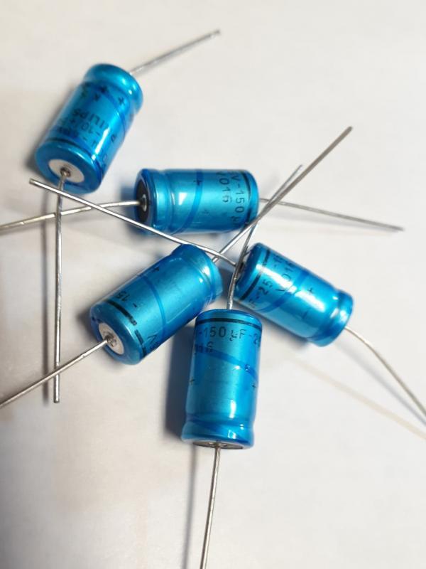 Kondensator 150uF 25V  5st