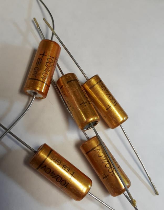 Kondensator 100uF 40v Elektrolyt Axiell ( 5st )