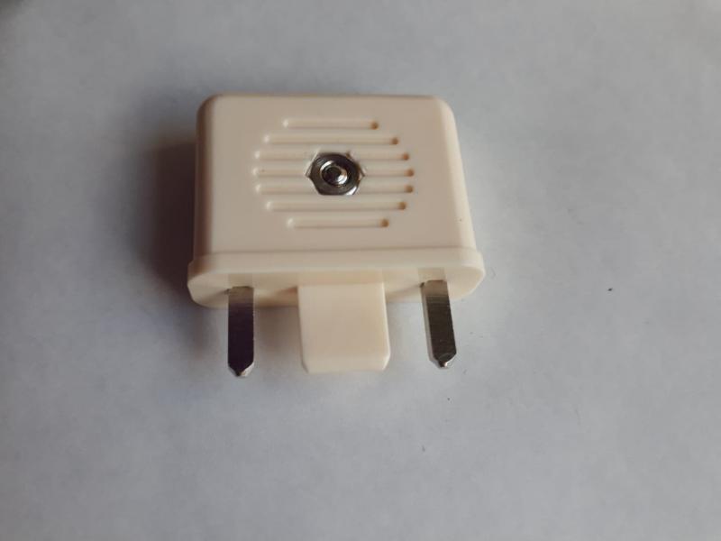 Antennkontakt för äldre TV / bandkabel