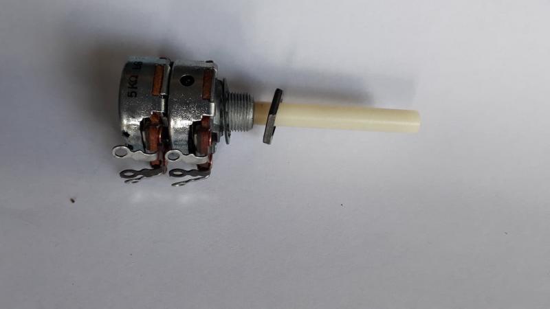 Potentiometer 2 x 5K LOG för tråd