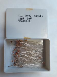 15pF 25V Keramisk kondesator  ca 100 st i låda