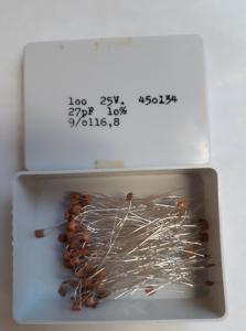 27pF 25V Keramisk kondesator  ca 100 st i låda