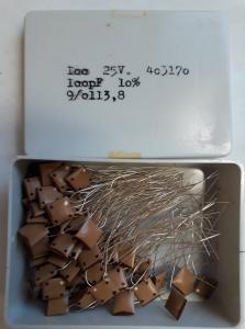 100pF 25V Keramisk kondesator  ca 100 st i låda