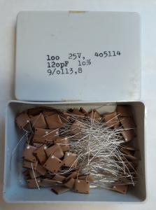 120pF 25V Keramisk kondesator  ca 100 st i låda