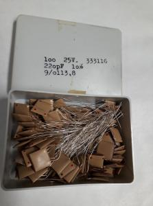220pF 25V Keramisk kondesator  ca 100 st i låda