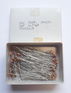 1pF 250V Keramisk kondesator ca 100 st i låda