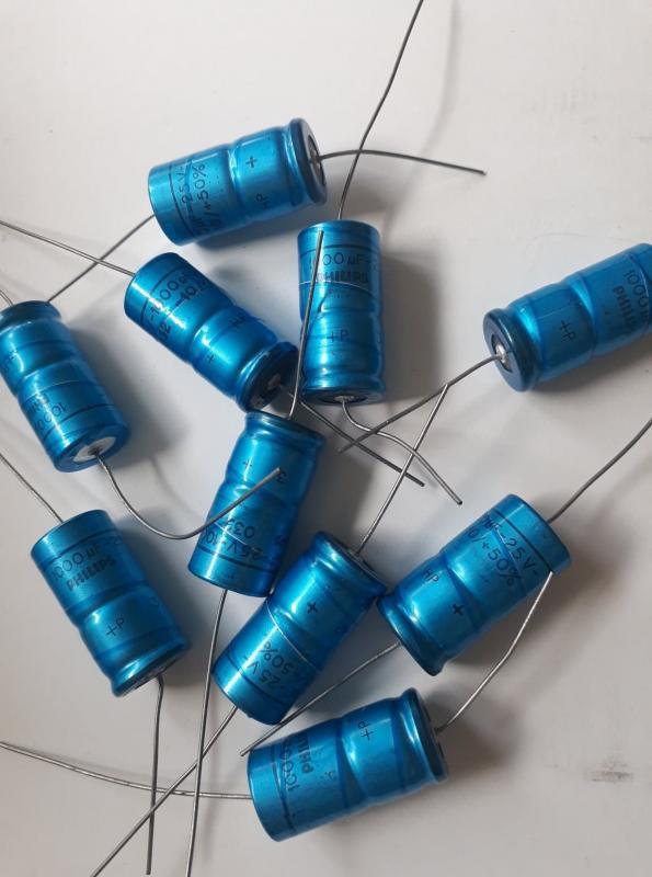 Kondensator 1000uF 25V Elektrolyt  10st