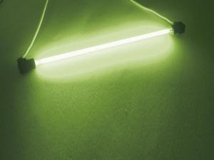 Fluorescerande glaslysrör, 100 mm Grön
