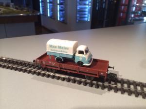 Märklin 00761-17 DB godsvagn med Hanomag lastbil