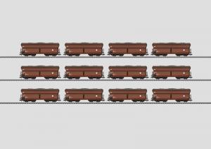 00797 Display med 12st Fad 167 hoppervagnar