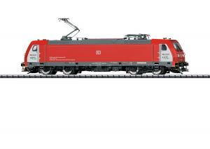 Trix 22656 Ellok Class 185/Traxx 2 DB Schenker Rail Scandinavia A/S med danskt stationsutrop Nyhet 2020