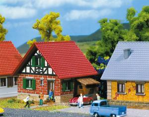FALLER 282764 Litet hus / Development house