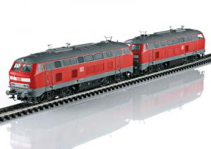 37769 Lokset med två diesellok BR 217 DB