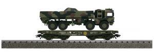 48713 4MFOR Flakvagn med last Rlmmps 650 DB + LKW 10t mil gl