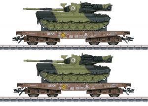 Märklin 48842 ( DSB ) type Slmmps heavy-duty flat cars, loaded with Leopard 1A5 combat tanks Dansk Nyhet 2021