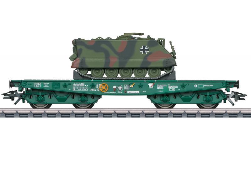 Märklin 48874 German Federal Army type Rlmmps heavy-duty flat car with a German Federal Army M 113 Nyhet 2021