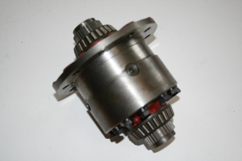 Differential housing 4 pin carrier (Used)