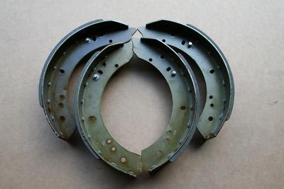 Brake shoe kit rear 4x4 and 6x6