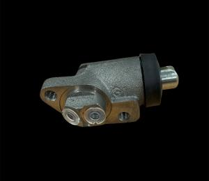 Wheel cylinder front right side all car models 4x4 and 6x6