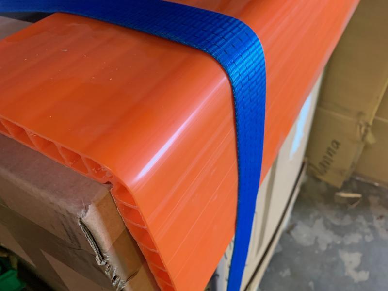 Kantskydd för bandsling i orange